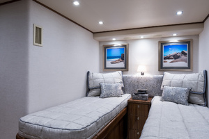 Viking 93 Motor Yacht-2020-NEW BUILD NEW BUILD-New York-United StatesStarboard Guest Stateroom  1203975 thumb
