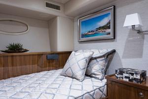 Viking 93 Motor Yacht-2020-NEW BUILD NEW BUILD-New York-United StatesCrew Quarters 1203978 thumb