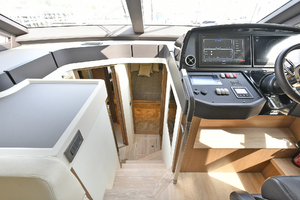 Absolute 50 Fly-2020-ON ORDER Staten Island-New York-United StatesCompanionway to Staterooms 1073077 thumb