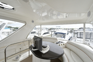 52' Silverton 52 Ovation 2009 Flybridge Lounge