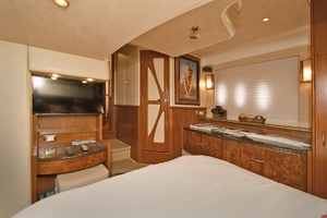 52' Silverton 52 Ovation 2009 Master Stateroom - Aft View