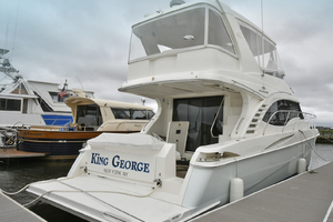 52' Silverton 52 Ovation 2009 Starboard Side