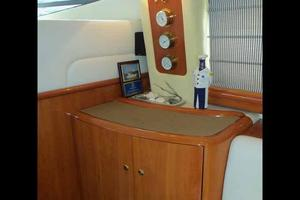 48' Cranchi Atlantique 48 2005 Salon Bar