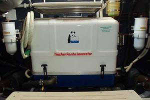 48' Cranchi Atlantique 48 2005 Generator