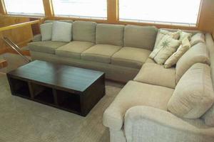 74' Hatteras Motoryacht Sport Deck 1996 Salon Starboard Side