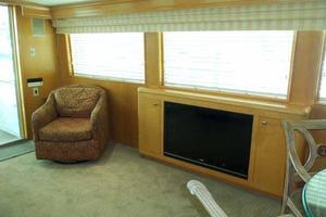 74' Hatteras Motoryacht Sport Deck 1996 Salon Portside