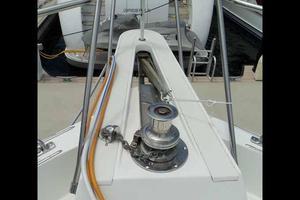 74' Hatteras Motoryacht Sport Deck 1996 Windlass Details