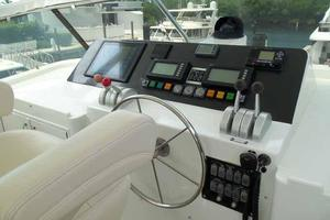 74' Hatteras Motoryacht Sport Deck 1996 Helm