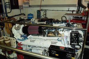 74' Hatteras Motoryacht Sport Deck 1996 Port Engine