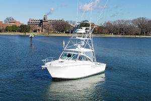Moonstruck Bay is a Albemarle 33XF Yacht For Sale in Hampton--86