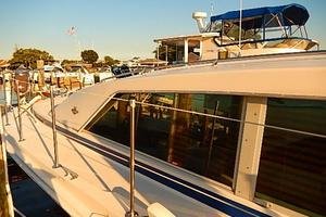 46' Bertram Motor Yacht 1974 Walk around to bow