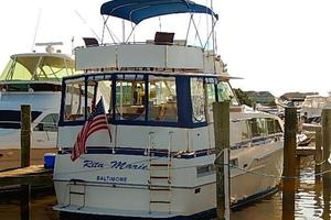 46' Bertram Motor Yacht 1974 Full enclosure