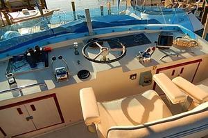 46' Bertram Motor Yacht 1974 Bimini top