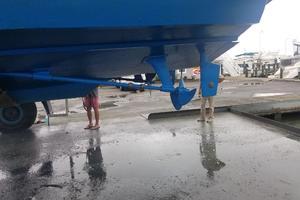 46' Bertram Motor Yacht 1974 Haul out July 2018