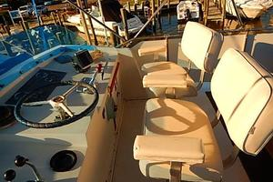 46' Bertram Motor Yacht 1974 Bridge steering