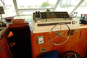 46' Bertram Motor Yacht 1974 Lower steering station