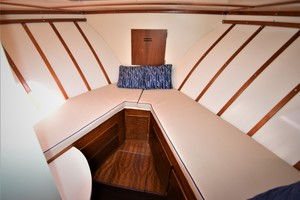 45' Hatteras Custom 45 Express 1969 Hatteras Custom 45 Express Sportfisherman Forward Berth