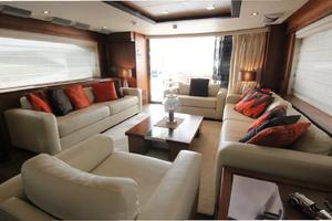 88' Sunseeker Flybridge Motoryacht 2009 Main Salon