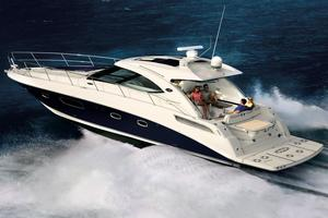 47' Sea Ray 470 Sundancer 2012 Sister-Ship - Stock Image