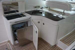 47' Sea Ray 470 Sundancer 2012 Wet Bar / Grill