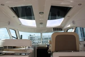 47' Sea Ray 470 Sundancer 2012 Hardtop Windows