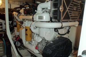 56' Neptunus 56' Flybridge 2004 Starboard Engine
