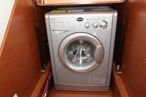 55' Prestige 550 2015 Washer / Dryer Combo