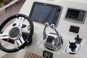 55' Prestige 550 2015 FB Helm
