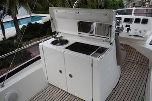 55' Prestige 550 2015 FB - Galley