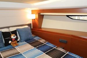 55' Prestige 550 2015 VIP - Starboard