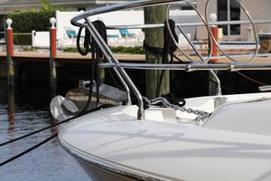 55' Prestige 550 2015 Fender Holders
