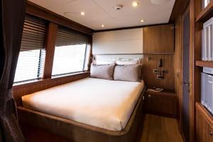 121' Sunseeker Sunseeker 37m 2009 Captain's Cabin