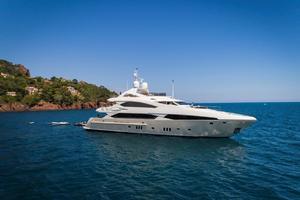121' Sunseeker Sunseeker 37m 2009 Starboard Profile