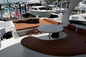 52' Blue Water Coastal 5200 Liberty Edition 2003 Bridge table