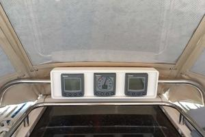 photo of Sabre-386-2006-Seagram-Pasadena-Florida-United-States-Wind,-depth-and-speed-in-Custom-Pod-over-Companionway-918923