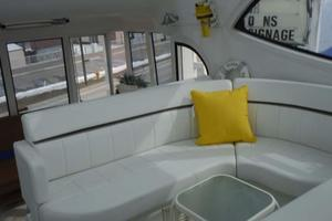 50' Carver 506 Aft Cabin Motor Yacht 2000 Flybridge Seating