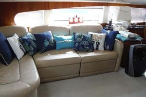 50' Carver 506 Aft Cabin Motor Yacht 2000 Salon Seating