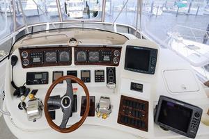 48' Sea Ray 480 Sedan Bridge 1999 Helm