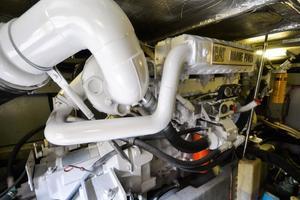 48' Sea Ray 480 Sedan Bridge 1999 Port Engine