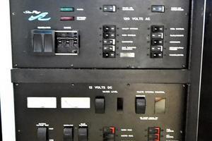 48' Sea Ray 480 Sedan Bridge 1999 Main Distribution Panel