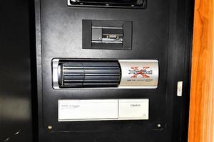 48' Sea Ray 480 Sedan Bridge 1999 Entertainment Storage