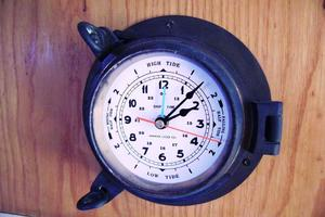 Stolper-380-Tournament-Express-1998-Reel-Deal-North-Palm-Beach-Florida-United-States-Ships-Clock-919979