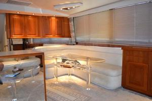 53' Viking Convertible 1990 Dinette