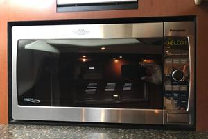 photo of Sea-Ray-38-Sundancer-2007-El-Don-North-Beach-Maryland-United-States-Galley-Microwave-923257