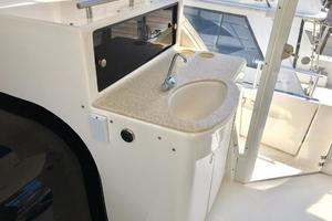 40' Meridian 408 Motoryacht 2004 Wet Bar