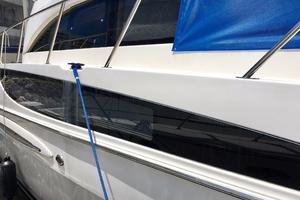 40' Meridian 408 Motoryacht 2004 Side Window
