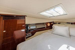 Sea-Ray-48-Sundancer-2008-Francesca-Coconut-Grove-Florida-United-States-Forward-Berth-918633