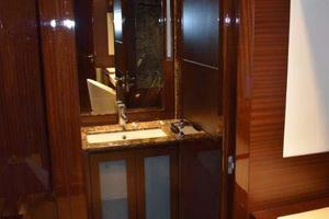PerMare-Amer-92-2010-Lady-H-Sanremo-Italy-Owners-Cabin-Head-Entry-923789