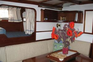 65' Custom John Walsh Expedition Schooner 1988 Main Salon