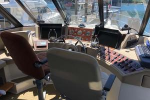 47' Bayliner 4788 Pilothouse 1995 Lower Helm
